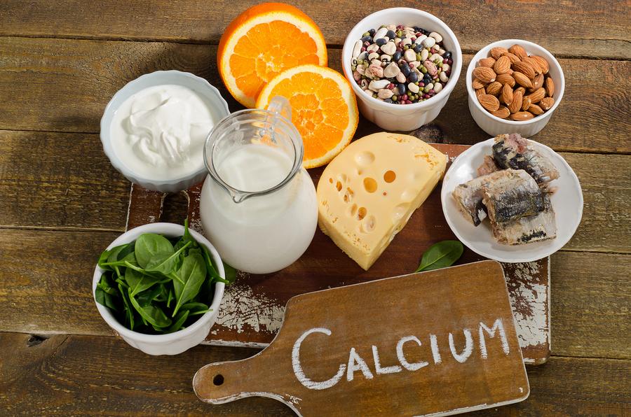 เน้นการทานอาหารที่มีแคลเซียมสูงเป็นหลัก ทานอาหารเสริมเป็นรอง