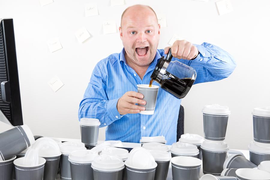 การดื่มกาแฟที่มากเกินไปมีแนวโน้มจะทำให้สูญเสียแคลเซียมอย่างมีนัยสำคัญ