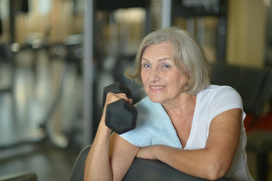ผู้สูงอายุที่ออกกำลังกายเป็นประจำย่อมมีกระดูกที่แข็งแรงและห่างไกลโรคกระดูกพรุน