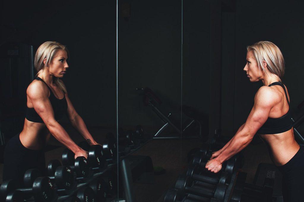 การออกกำลังกายช่วยให้กระดูกและกล้ามเนื้อมีความแข็งแรง และช่วยป้องกันการเกิดโรคกระดูกพรุนได้